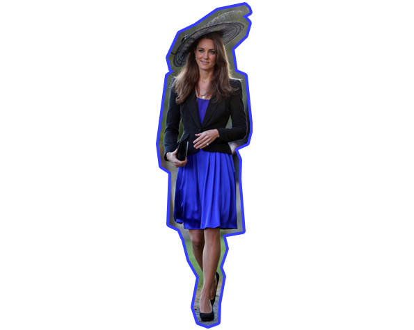 Kate Middleton con vestido azul, zapatos, chaqueta y pamela negros
