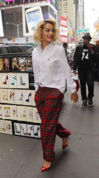 Rita Ora de JW Anderson para Topshop