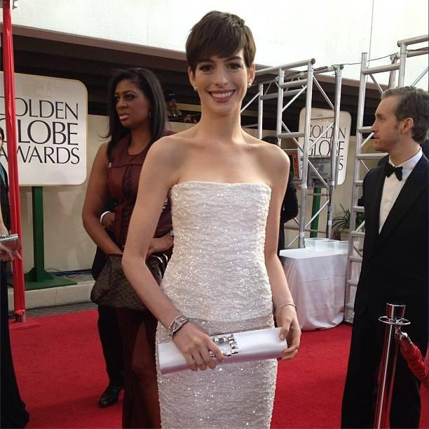 El look de Anne Hathaway en los Globos de Oro 2013