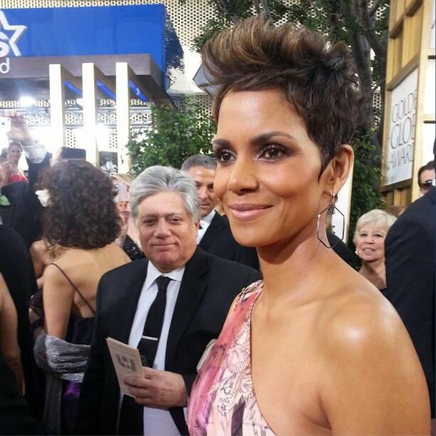 Horror capilar de Halle Berry en los Globos de Oro 2013