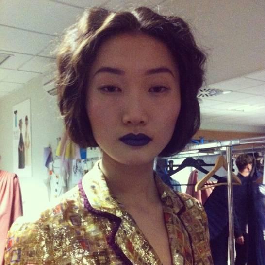 Modelo en el backstage @LaOtraHorma