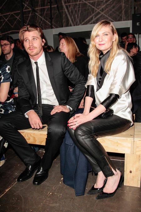 Kirsten Dunst y su novio en PFW