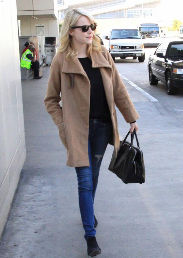 Emma Stone con bolso Rochas