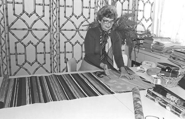 Lea Gottlieb trabajando en su taller