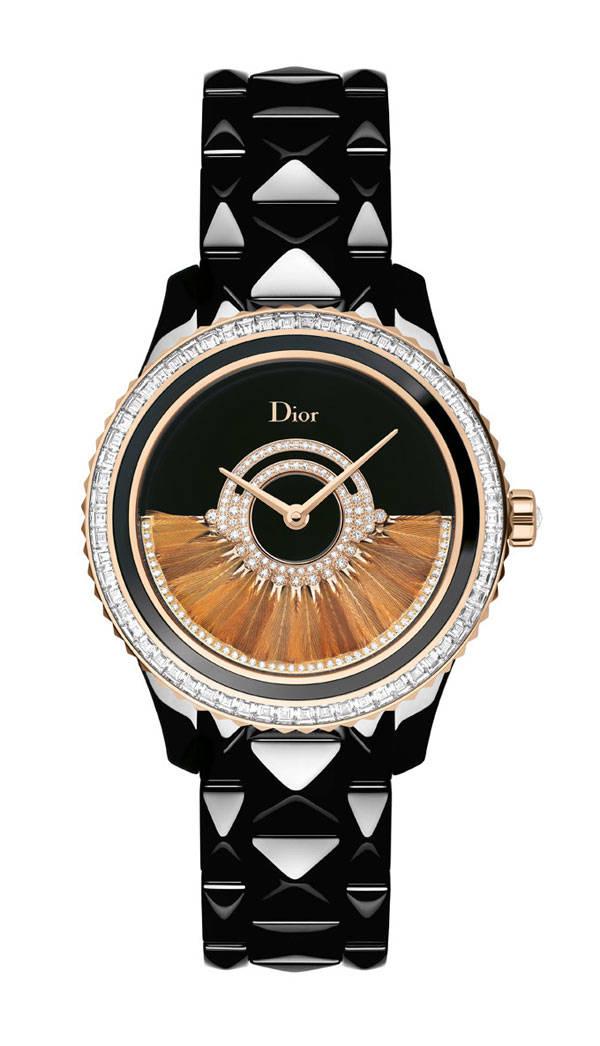 Modelo de la colección Dior VIII