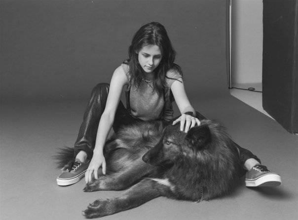 Kristen y su perro lobo