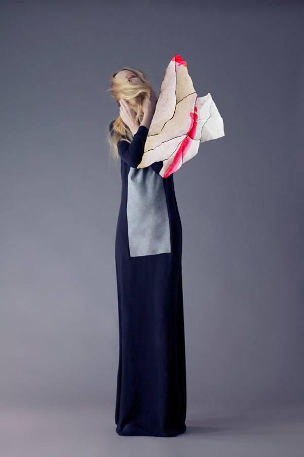Vestido de Eva Zingoni Zapatos de Sendra Collar de Lulasays
