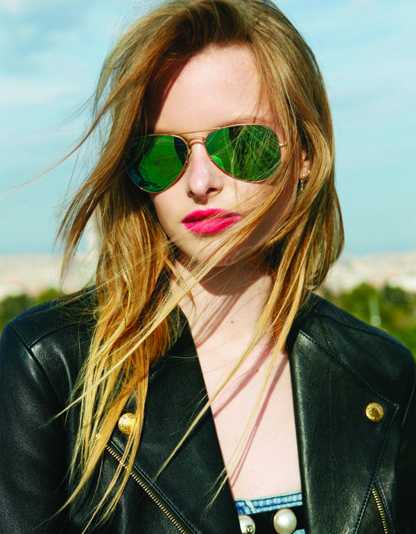 Cazadora de LOUIS VUITTON bikini de AMERICAN APPAREL vaquero de H&M y gafas de RAY-BAN