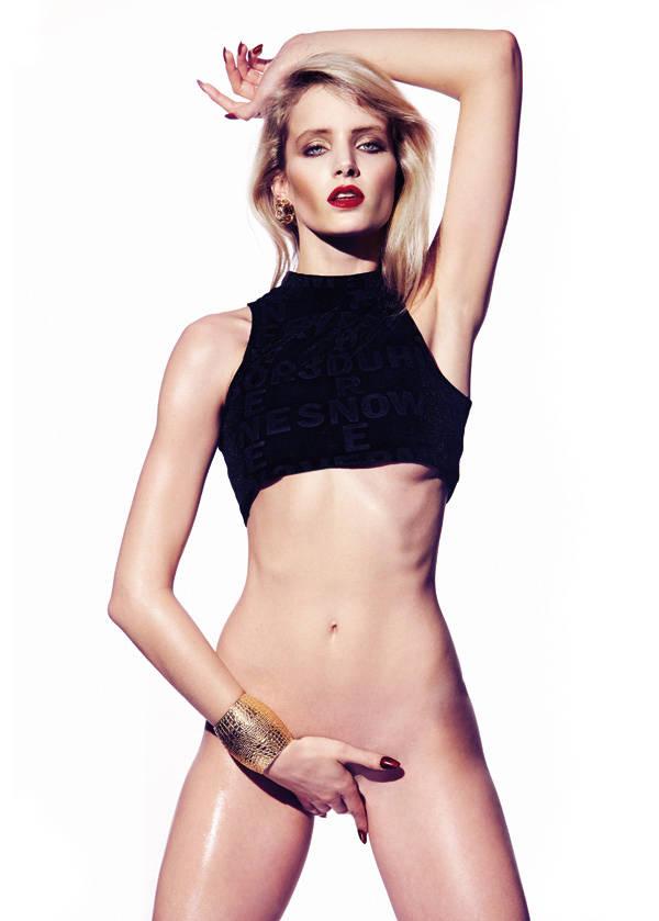 Top de H&M Pendiente de Kenzo para Santa Eulalia Laca de uñas Le Venrnis Please! Rouge Interdit de Givenchy