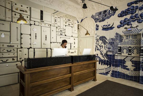Original recepción del Only YOU Hotel & Lounge