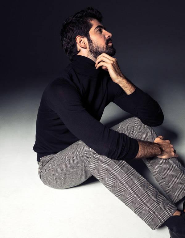 Jersey de cuello alto KARL Pantalón DOCKERS BotasLOTUSSE