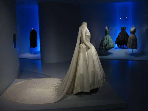 Diseños de Balenciaga en su museo de Guetaria