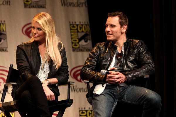 Charlize Theron y Michael Fassbender