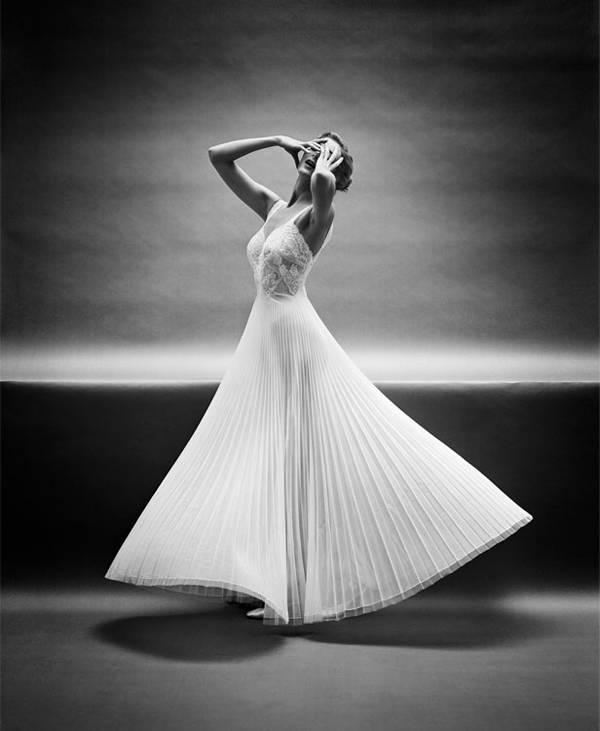 Descarte de estudio en blanco y negro para la campaña de lencería de Vanity Fair. New York, década de 1950 @ Mark Shaw, cortesía de Andrew Wilder Gallery