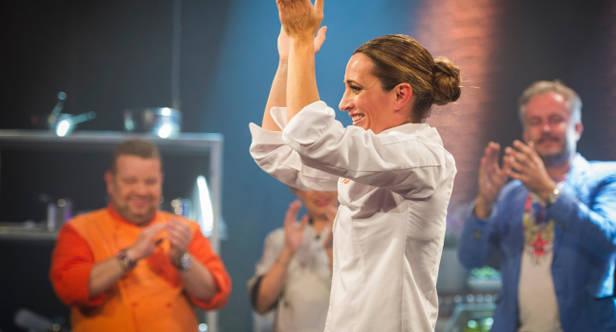 Begoña convertida en la ganadora de Top Chef.
