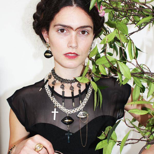 Campaña de Patricia Nicolás inspirada en Frida Kahlo.
