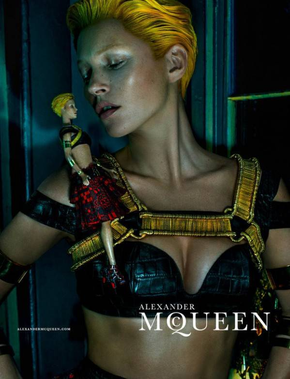 Kate Moss para la camapaña SS 2014 de Alexander McQueen