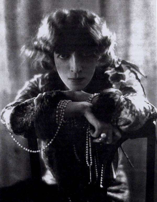 Luisa Casati fotografiada por Baron Adolph de Meyer