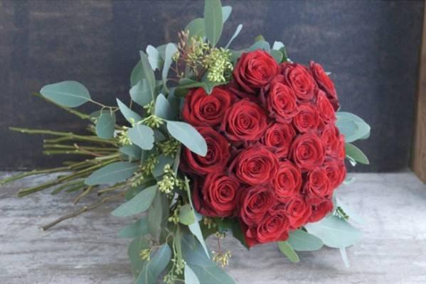 Ramo de rosas rojas de Sally Hamblenton
