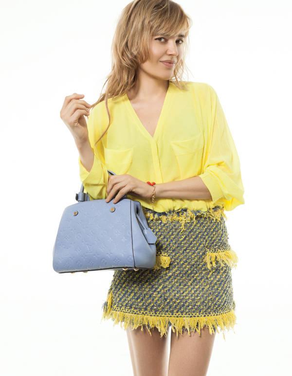 Patricia Nicolás, con bolso de Louis Vuitton, en la sesión de fotos publicada en el número de marzo en Vanidad (ya en kioscos)