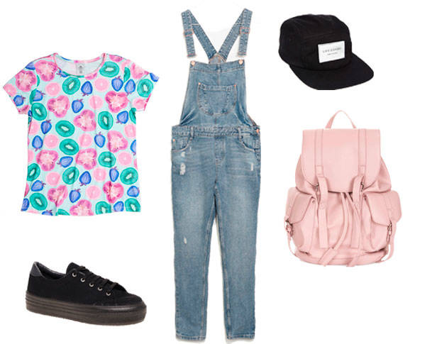 Camiseta de PLANET PALMER, peto vaquero de ZARA, zapatillas y gorra de ASOS y mochila de TOPSHOP.