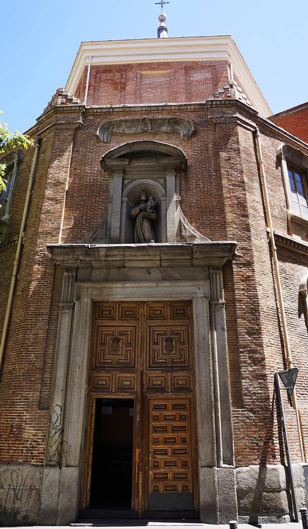 Entrada de la Iglesia de los Alemanes