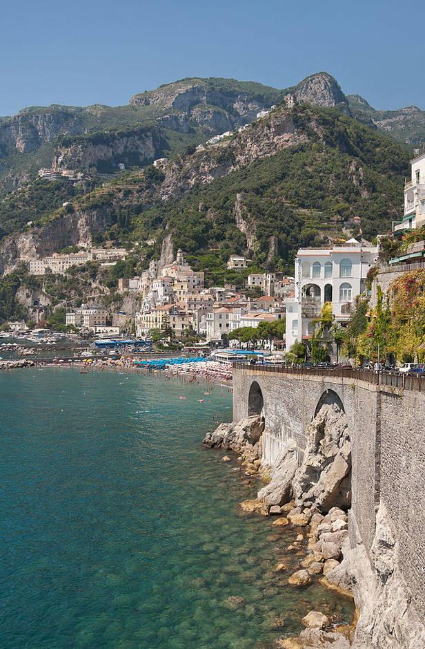 640px-Costa_di_Amalfi_-_Italia