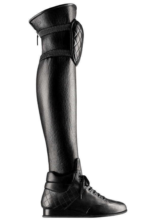 Botas mosqueteras, de Chanel.