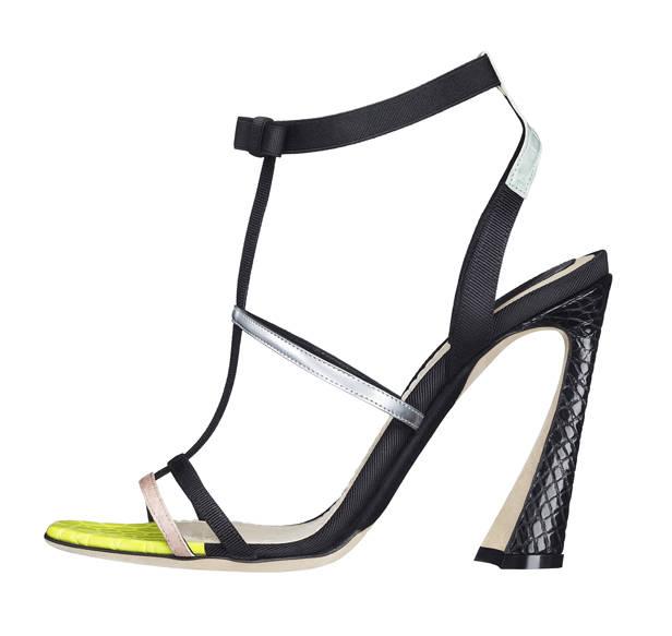 Sandalias, de Dior.