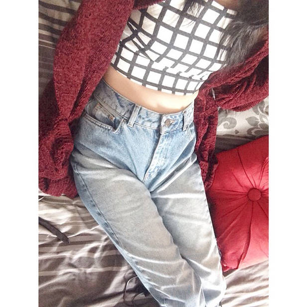 Crop top y cardigan oversized.