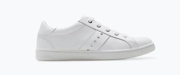 Zapatillas blancas de ZARA