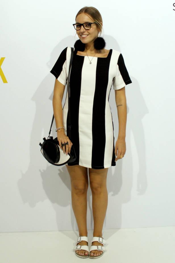 Lucía Fernández Alonso, bloguer y columnista de Vanidad, lleva total look de KLING