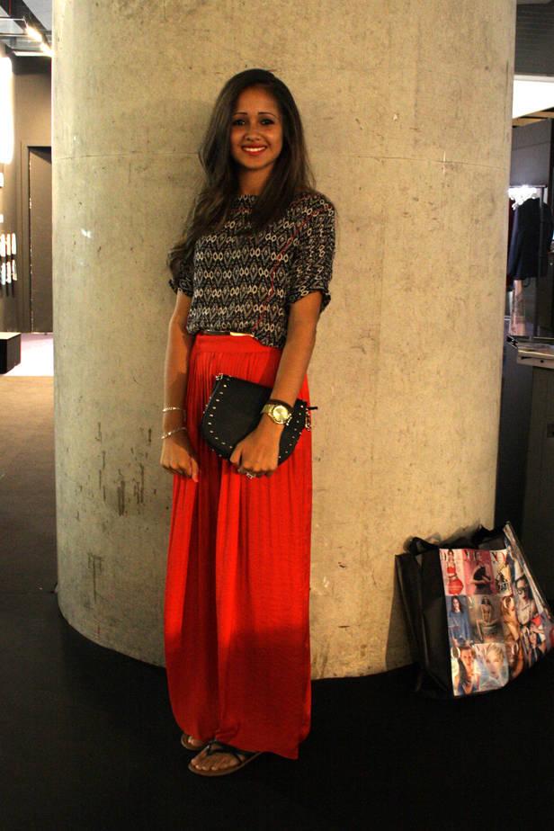 Natalia Ocardi, estudiante de Derecho, con total look ZARA y reloj TOUS