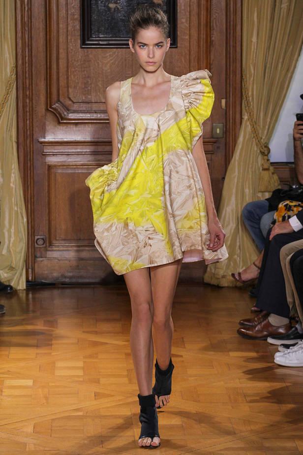 Viktor & Rolf/ PARÍS Las 5 tendencias de las semanas de la moda que necesitas