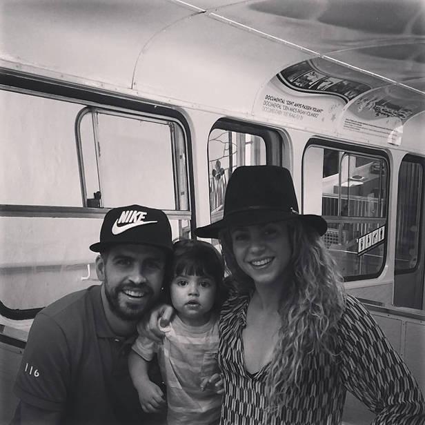 Gerard Piqué, Shakira y su hijo Milan (@3gerardpique)