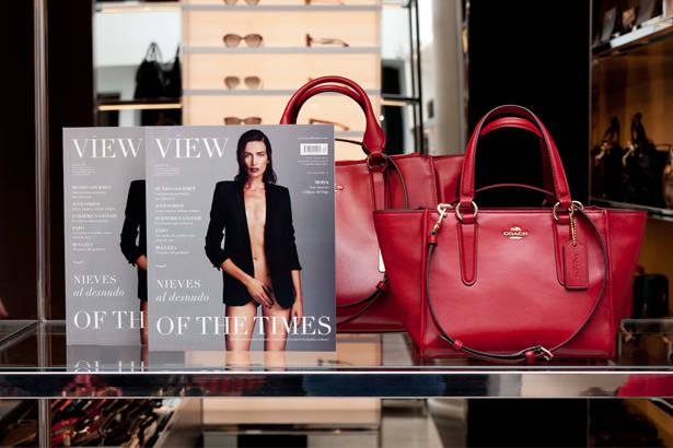 Fiesta lanzamiento View of the Times con la nueva colección de Coach