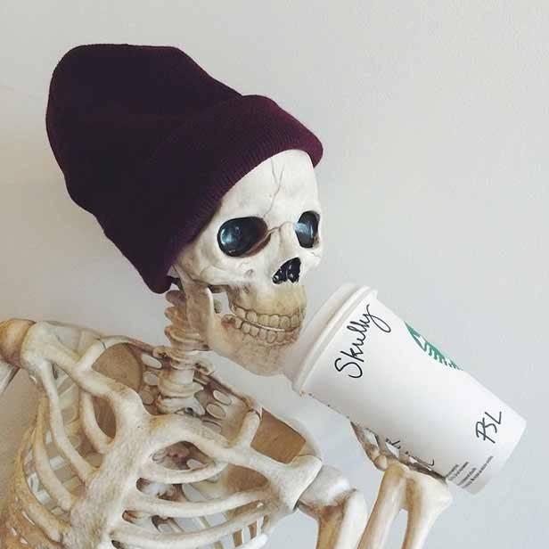 Skellie_coffee_vanidad