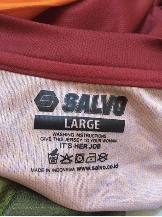 mujer-trabajo-camiseta-vanidad