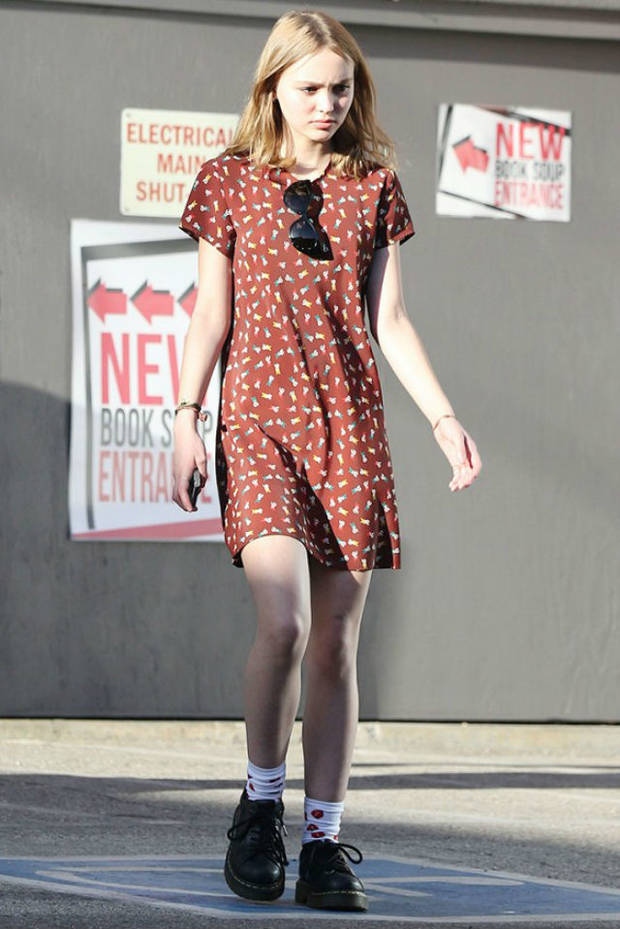 Los fotógrafos de street style comienzan a fijarse en la joven Depp. Imagen: Pinterest
