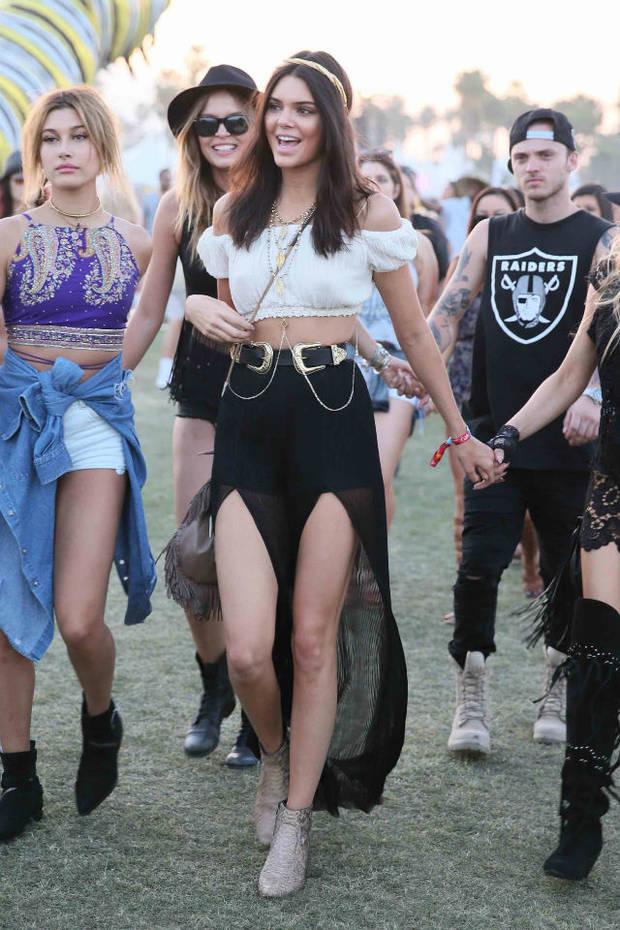 Kendall Jenner fusiona el toque rock y el bohemio en su look