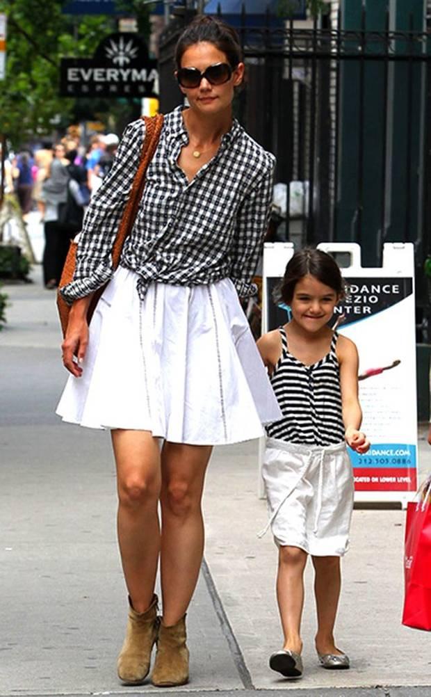 Suri Cruise junto a su madre, Katie Holmes