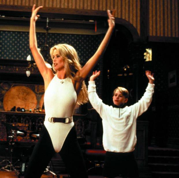 "Claudia Schiffer y Macaulay Culkin dándolo todo en ""Richie Rich"""
