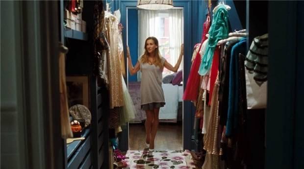 Seguro que deseabas con todas tus fuerzas tener el armario de Carrie, y sus pares de Manolos, y sus bolsos...