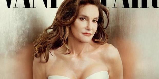 Así posa Caitlyn Jenner para la portada de Vanity Fair, fotografiada por Annie Leibovitz.