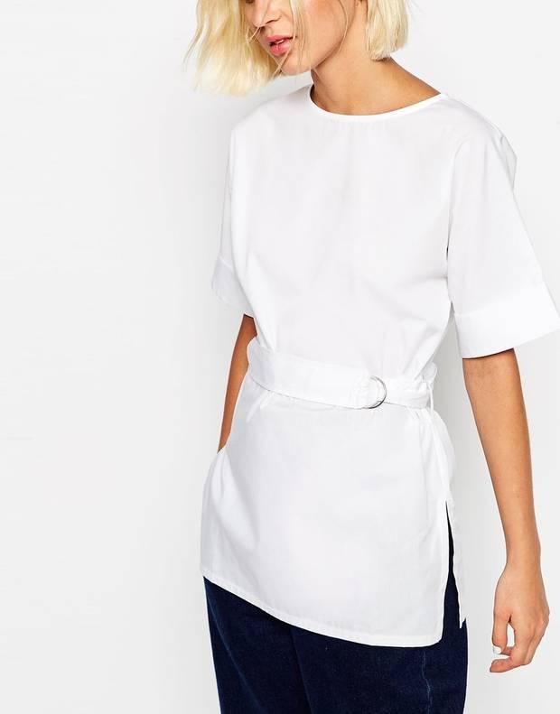 Un giro a la clásica camiseta blanca. ASOS