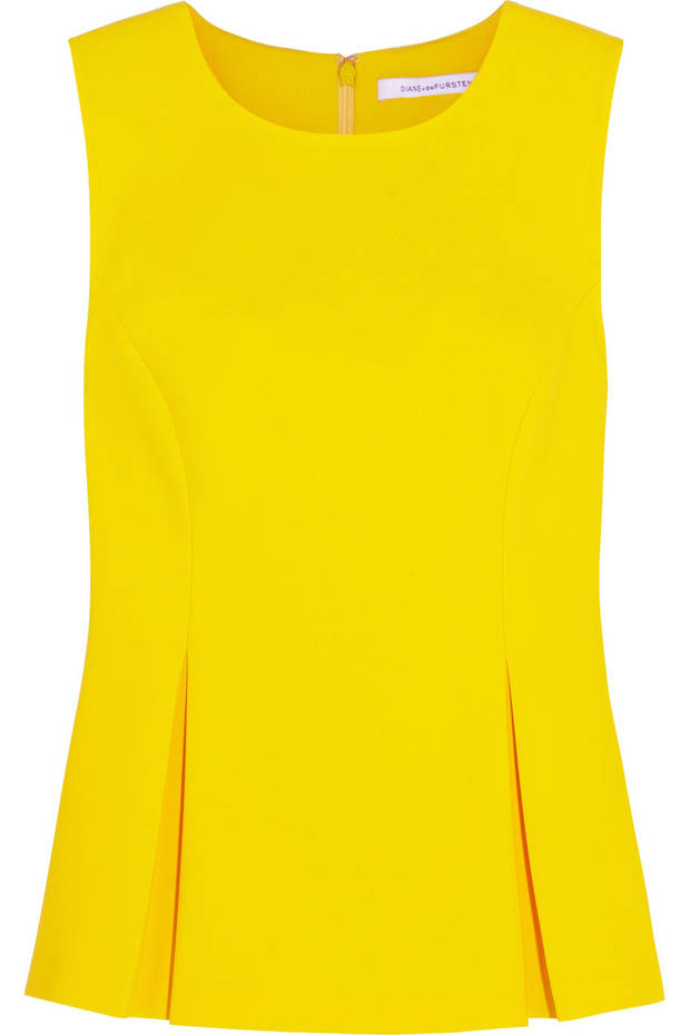 amarillo-el-color-perfecto-para-destacar-tu-bronceado-13