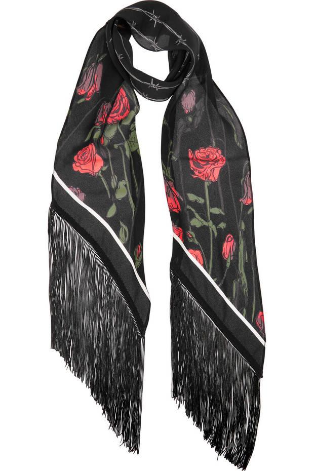 las-skinny-scarfs-que-lucirás-este-invierno-08