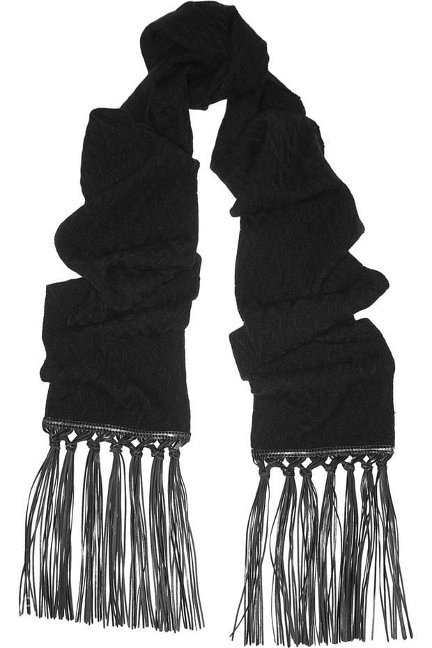 las-skinny-scarfs-que-lucirás-este-invierno-07