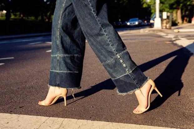 jeans bajos fuera