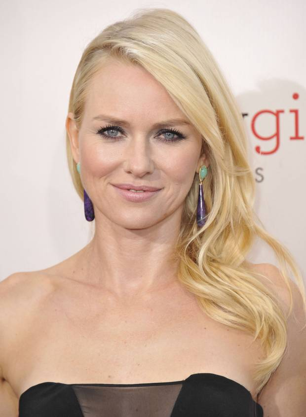 Naomi Watts (wearing Irene Neuwirth earrings) at arrivals for 18th Annual Critics
